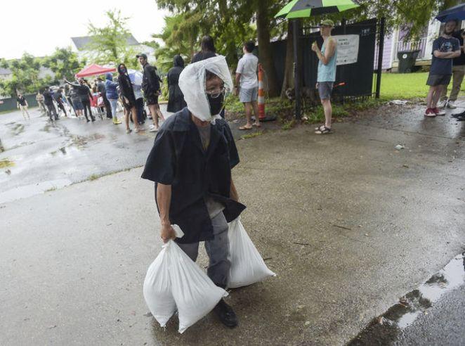 """ABD'de Ida Kasırgası nedeniyle """"acil durum"""" ilan edildi - HABERLER 15"""