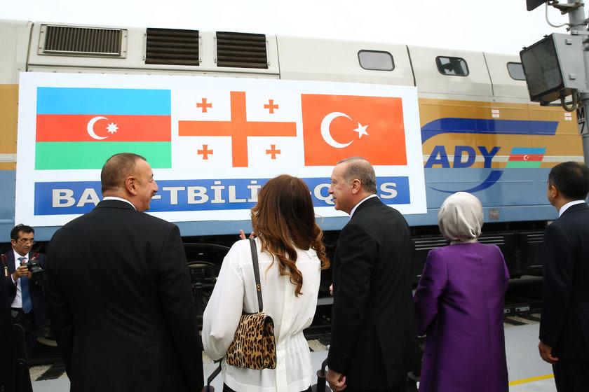 Железнодорожный «проект века» Баку-Тбилиси-Карс введен встрой