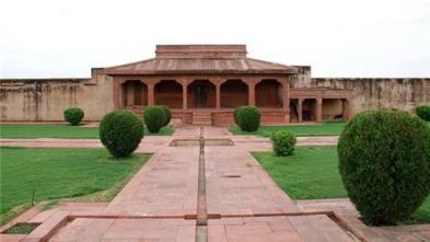 Image result for Diwan-i-Aam fatehpur sikri