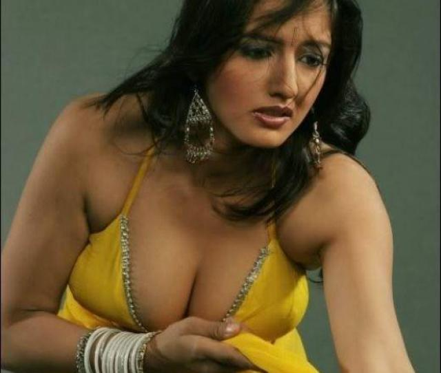 Hot Tamil Actress Share 12 33