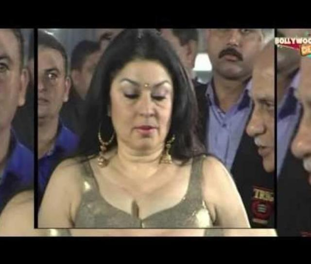 Hot Aunty Saree Slips Kiran Juneja Wardrobe Malfunction At Filmfare Indiatimes Com