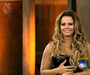 Viviane Araujo é a grande campeã da quinta temporada da Fazenda