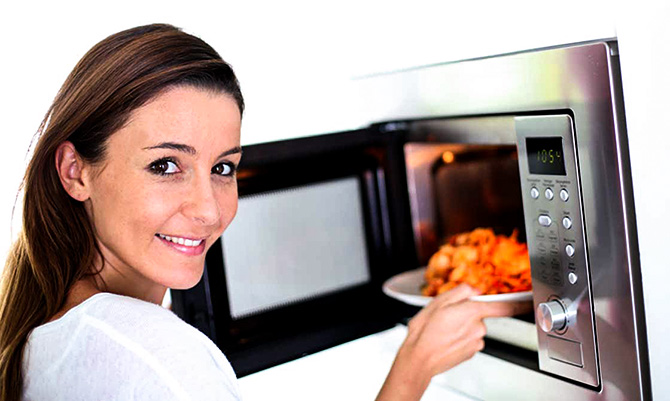 why heating food in microwave is bad