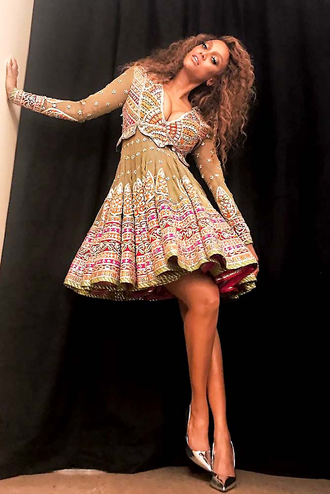 Image result for tyra banks modelling wearing dresses
