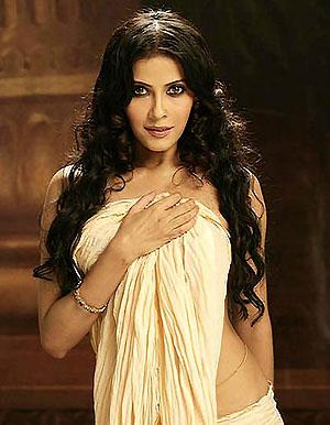 I Am Comfortable With The Level Of Nudity In Rang Rasiya Rediff Com Movies