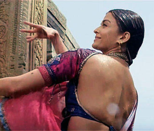 Pix Aishwarya Brings Sexy Back