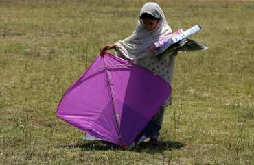 kite muslim The kite runner is a novel by khaled hosseini throughout the ten years of soviet occupation, internal muslim forces put up a resistance.