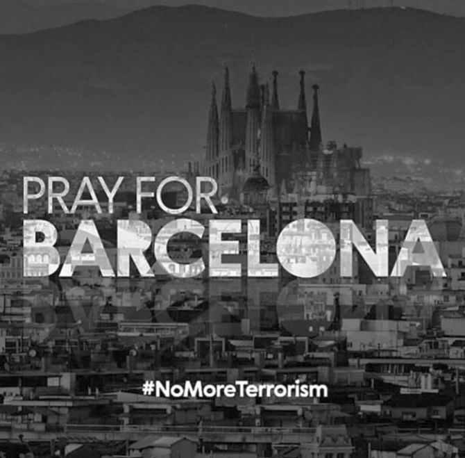 Photos The World Comes Together To Pray For Barcelona
