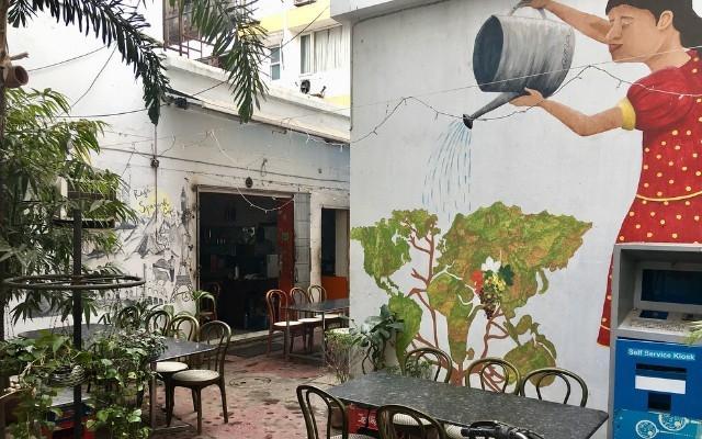 Raj's Spanish Cafe.