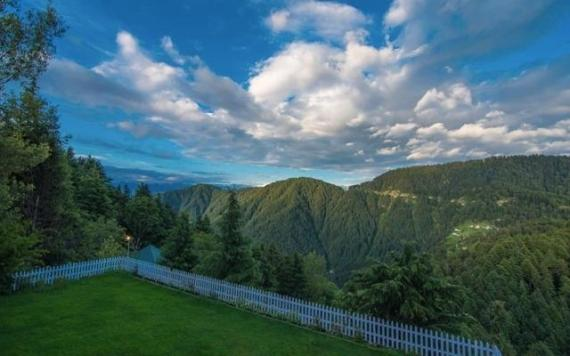 Stay At This Two Bed Room Paradise In Dalhousie
