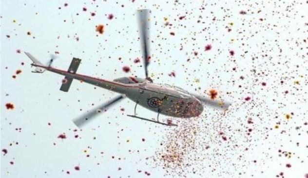 Take A Joy Ride On A Helicopter Around Delhi, Get Flower Showers For  Proposals With Heli Yatra! | WhatsHot Delhi NCR