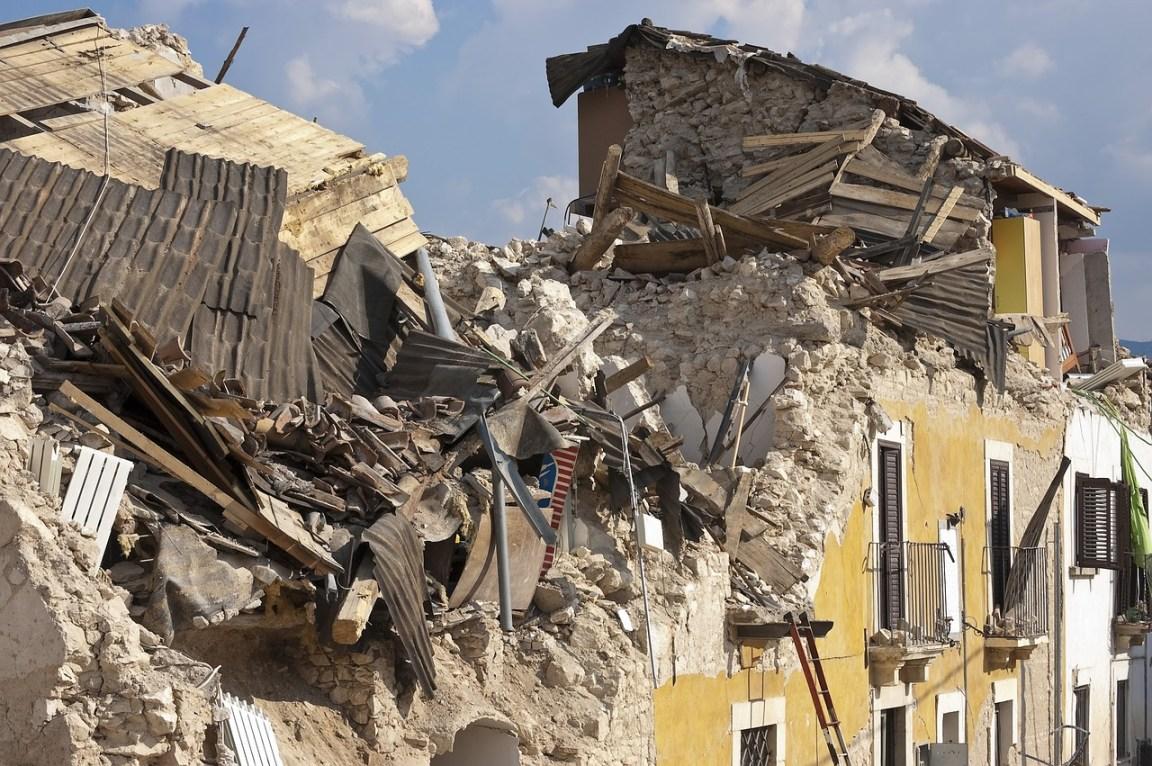 地震包要準備什麼 這些會是救命工具