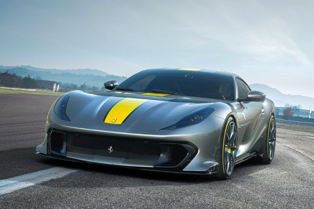 ferrari 812 superfast 818 horsepower 9500 rpm revolutions v12 engine limited edition road car supercar hypercar
