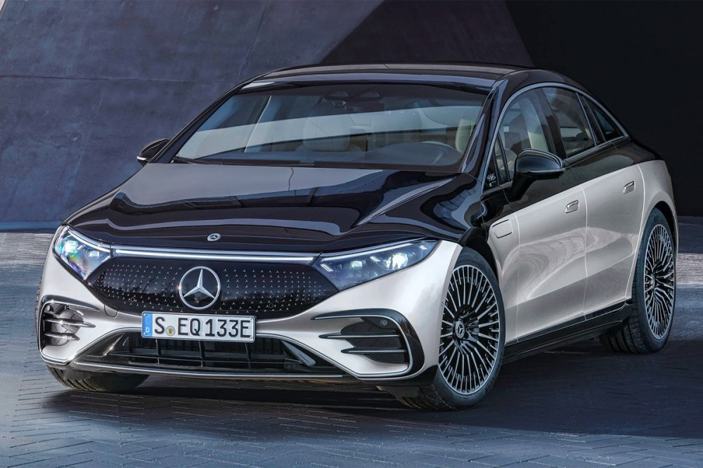 Mercedes-Benz Officially Releases Its First All-Electric Sedan electric cars electric vehicles german automaker mercedes-benz eqs