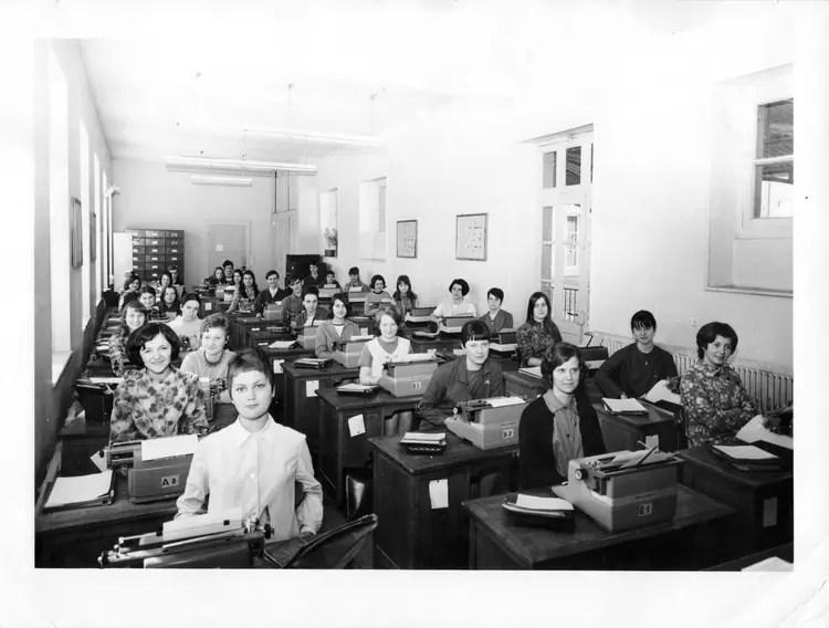 Photo De Classe 3me SD De 1968 Lp Montciel Copains