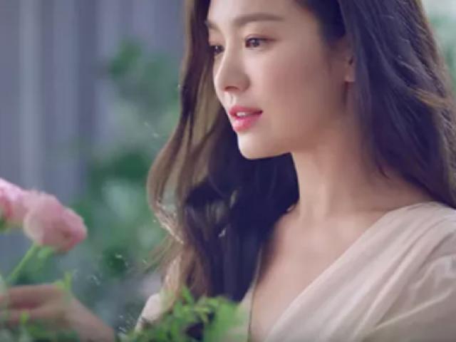 Sau ly hôn chồng trẻ, nhan sắc Song Hye Kyo làm nhiều người choáng ngợp