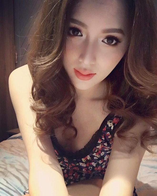 """""""Mỹ nữ chuyển giới đẹp nhất Việt Nam"""" nóng bỏng gấp bội khi ở nhà - 12"""
