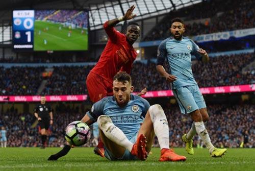 Đua Top 4 Ngoại hạng Anh: MU coi chừng Arsenal - 3