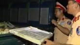"""CSGT bắt 300kg thịt thối """"hành quân"""" trên Quốc lộ"""