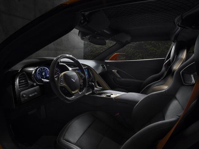 Siêu xe cơ bắp Chevrolet Corvette ZR1 2019 lộ diện - 3