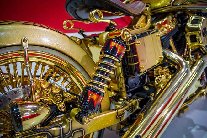 """Ngắm """"núi vàng di động"""" Harley Davidson Custom - 7"""