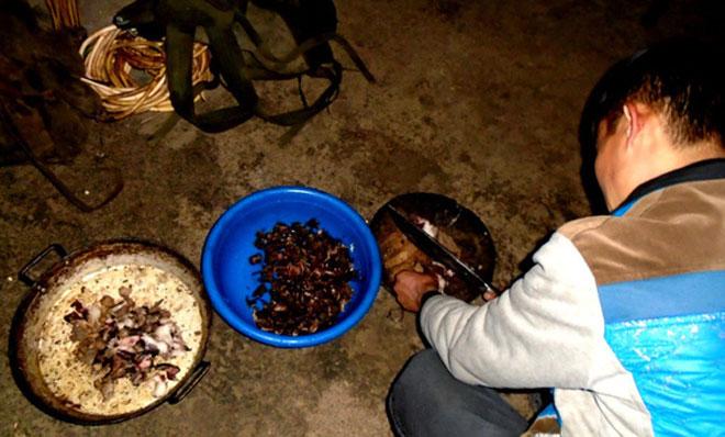 Lên Tả Phìn ăn… thịt chuột rừng gác bếp - 1