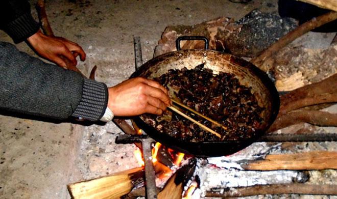 Lên Tả Phìn ăn… thịt chuột rừng gác bếp - 4