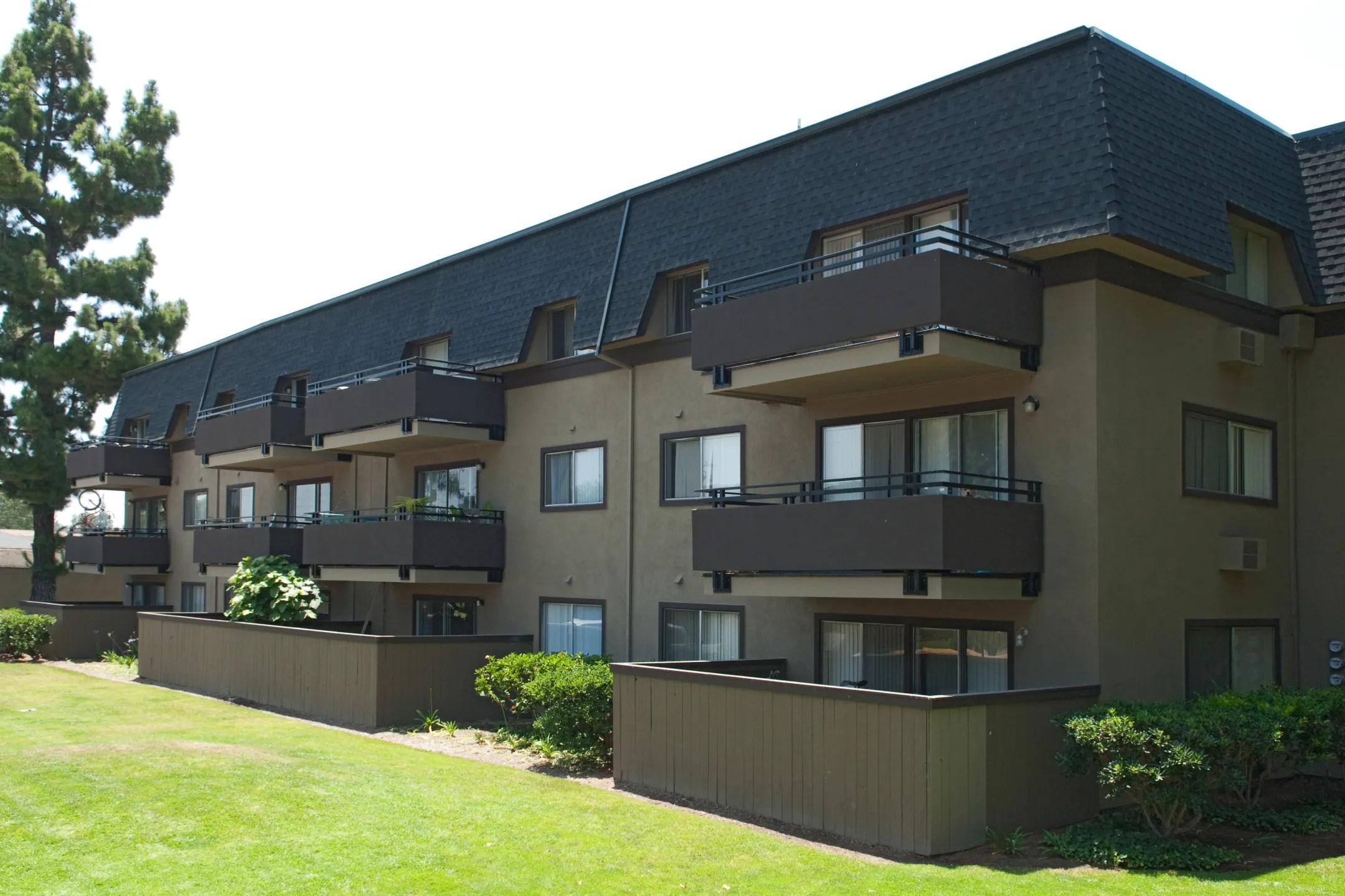 Portofino Santa Apartments Ana