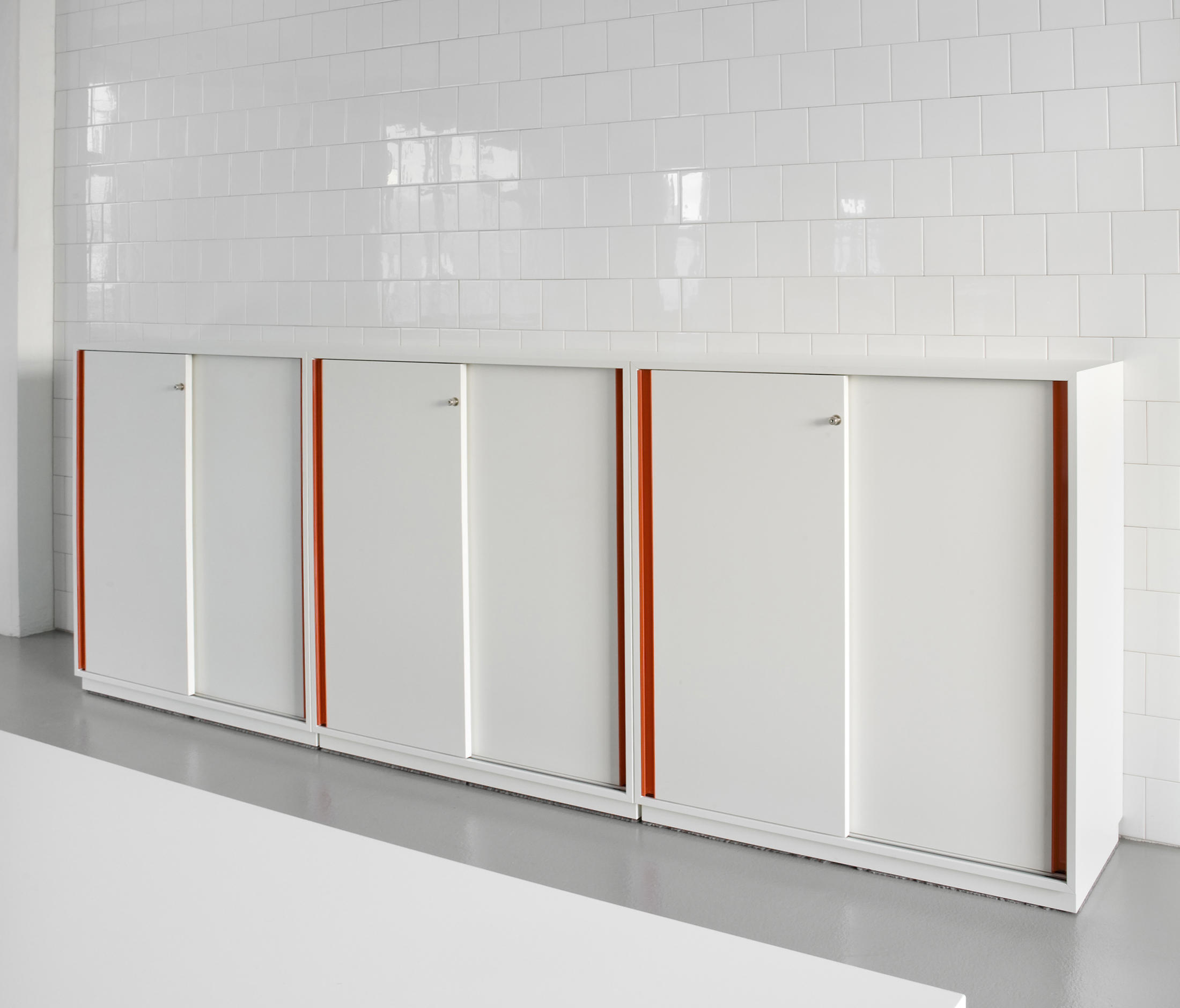 Do4500 Sliding Door Cabinet System Cabinets From