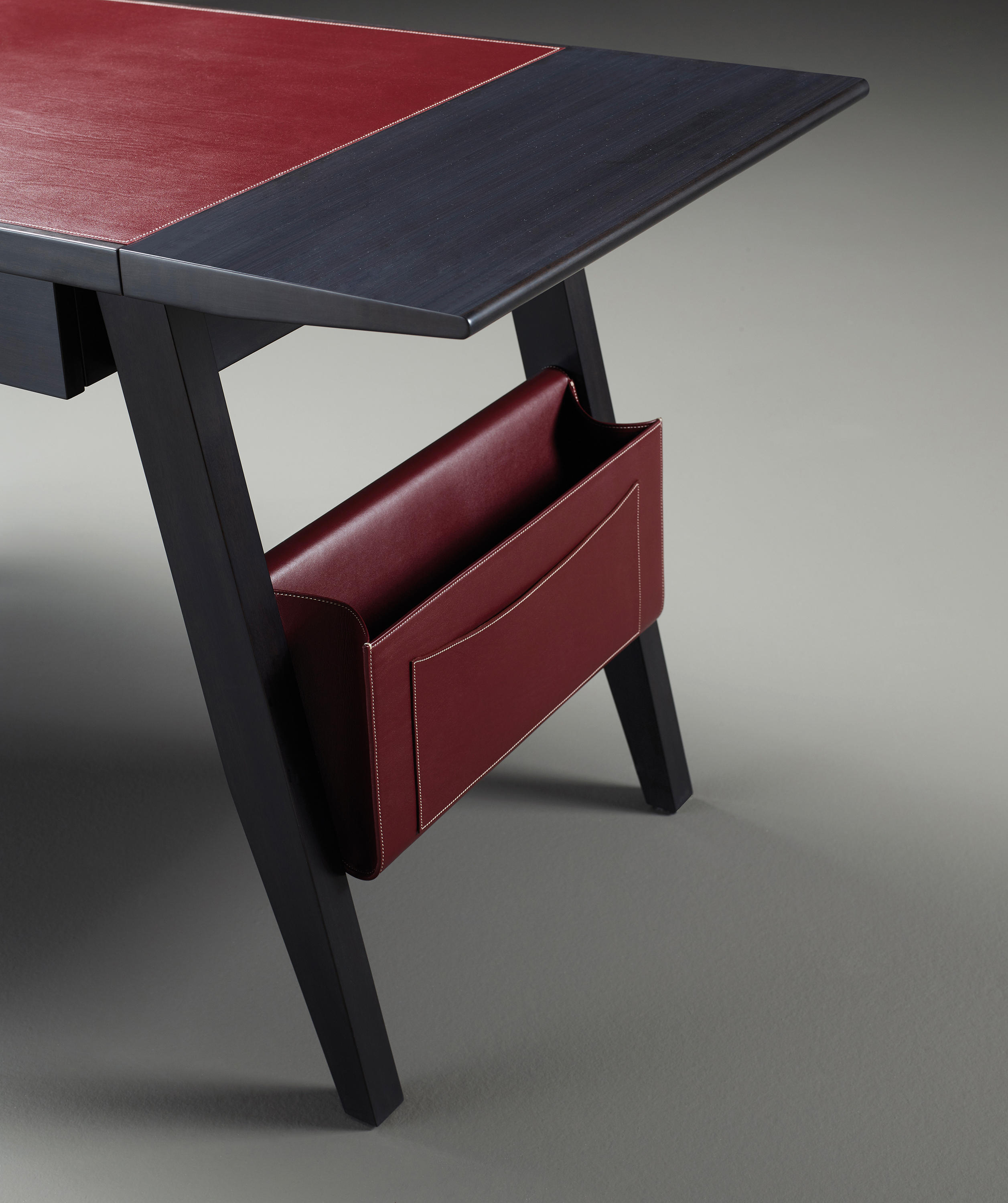 ISAAC WRITING DESK Desks From Promemoria Architonic