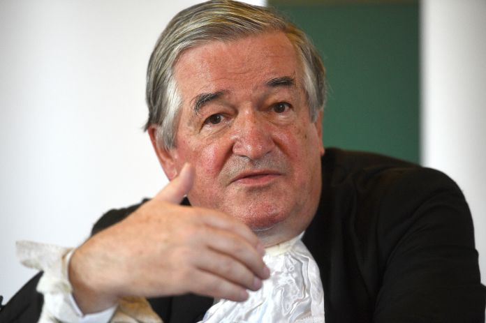 "Retirement of Sir James Munby ""data-title ="" Retirement of Sir James Munby ""data-copyright-holder ="" PA Archive ""data-copyright-notice ="" PA Archive / PA Images ""data-credit ="" Kirsty O & # 39; Connor ""data- usage-terms ="" ""srcset ="" https://image.assets.pressassociation.io/v2/image/production/1d95eecf518f02413713509b4bd52724Y29udGVudHNlYXJjaCwxNTY4NDQzODM4/2.37764473.jpgw?w v2 / image / production / 1d95eecf518f02413713509b4bd52724Y29udGVudHNlYXJjaCwxNTY4NDQzODM4 / 2.37764473.jpg? w = 640 640W, https://image.assets.pressassociation.io/v2/image/production/1d95eecf518f02413713509b4bd52724Y29udGVudHNlYXJjaCwxNTY4NDQzODM4/2.37764473.jpg?w=1280 1280w ""Sizes ="" (maximum width: 767px) 89vw (maximum width: 1000px) 54vw (maximum width: 1071px) 543px, 580px ""/>   <figcaption data-recalc-dims="