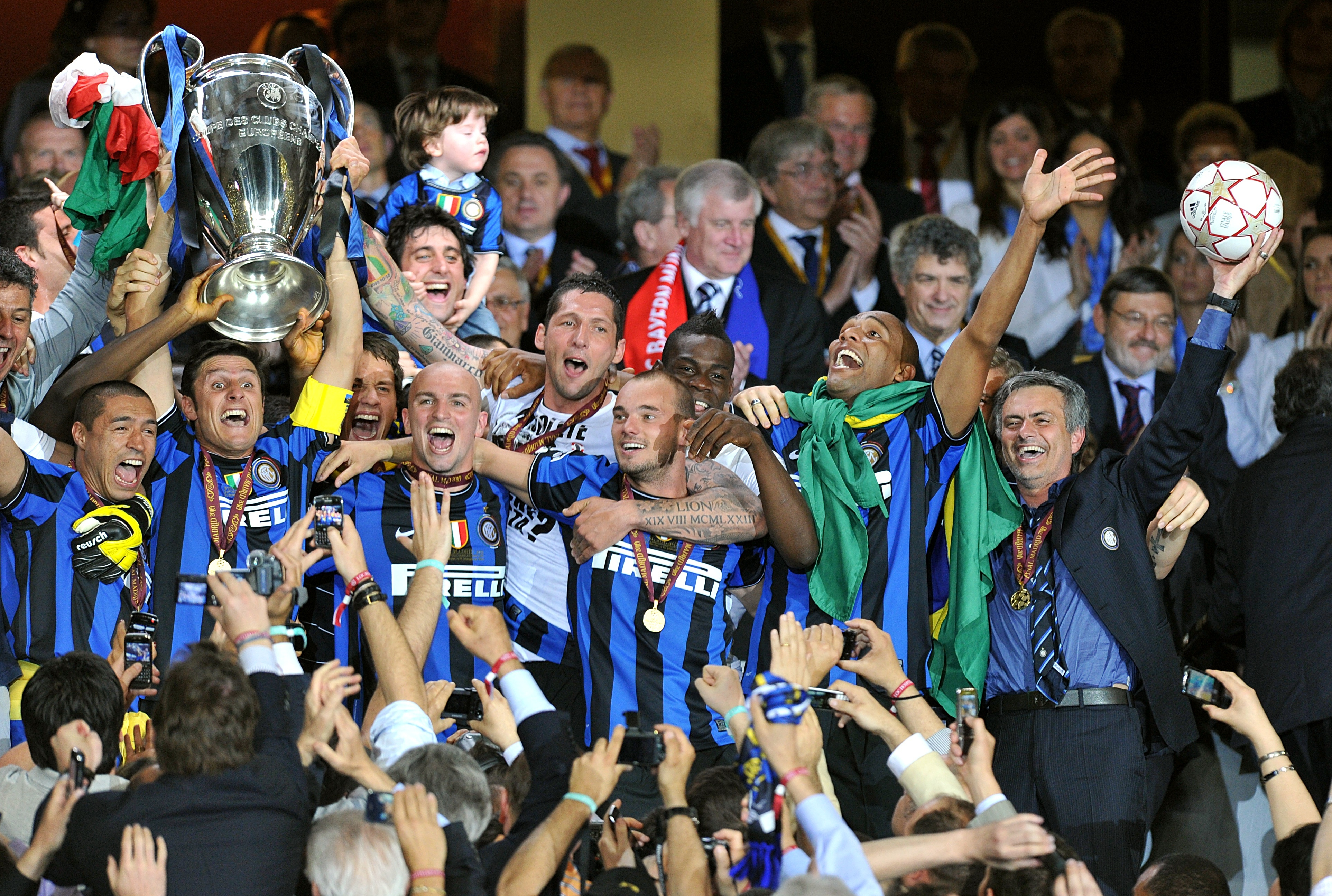 Mourinho, right, won the Champions League with Inter Milan