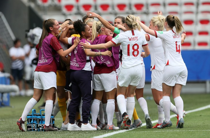 England beat Scotland 2-1 in their opening match