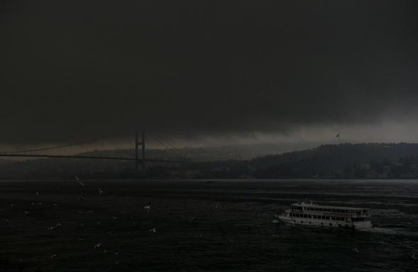 Kar bekleyen İstanbul'dan ürkütücü manzara