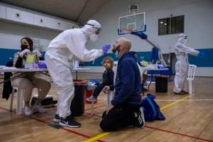 '백신 집단 면역 검사'이스라엘, 돌연변이 차단을 위해 하늘 길 임시 폐쇄