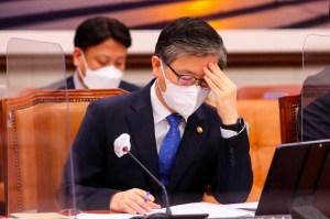 변창흠 장관, LH 회장 상여 4 천만원 수상