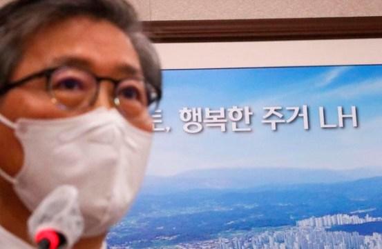 """""""변창흠은 어렵지 않다""""靑 · 與 국무 총리, 丁 """"조치 고려""""… 사실상 '불신'"""