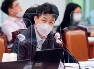 """또 '중요한 결단'을 내놓은 與… 윤건영""""늦은 캠프에서 토론"""""""