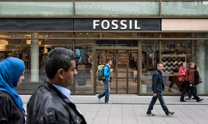 Mall favorite Fossil struggles in the era of the smartwatch