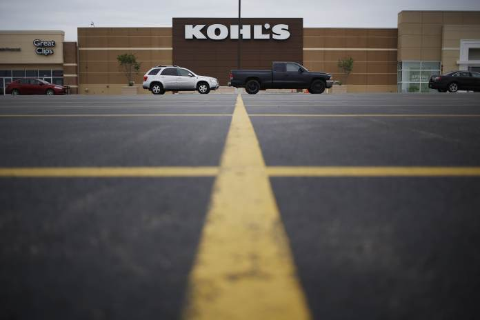 Kohl's shares tumble despite the retailer's strong sales beat and hiked outlook