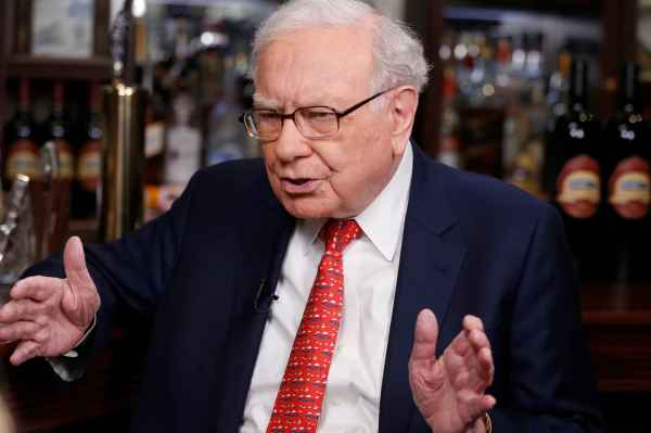 Buffett on Bernie Sanders: US can do better for those left behind, but cannot kill capitalism