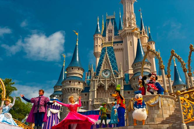 There S A Secret Hotel Suite Inside Cinderella Castle In Disney World Take Look