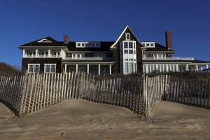 A house just rented in the Hamptons for $ 2 million for the summer