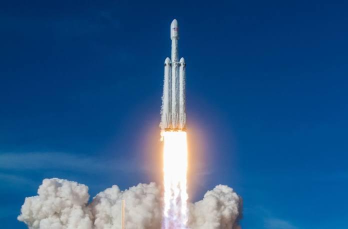 H / O: lancio dimostrativo di SpaceX Falcon Heavy