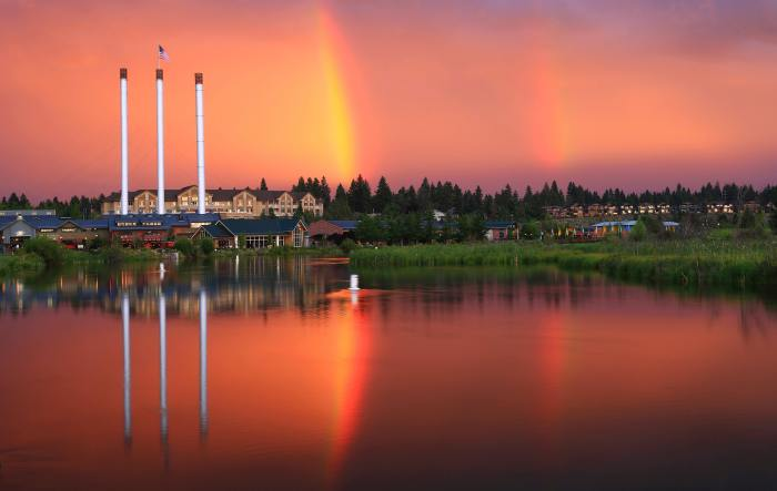 GI: The Old Mill District in Bend, Oregon.