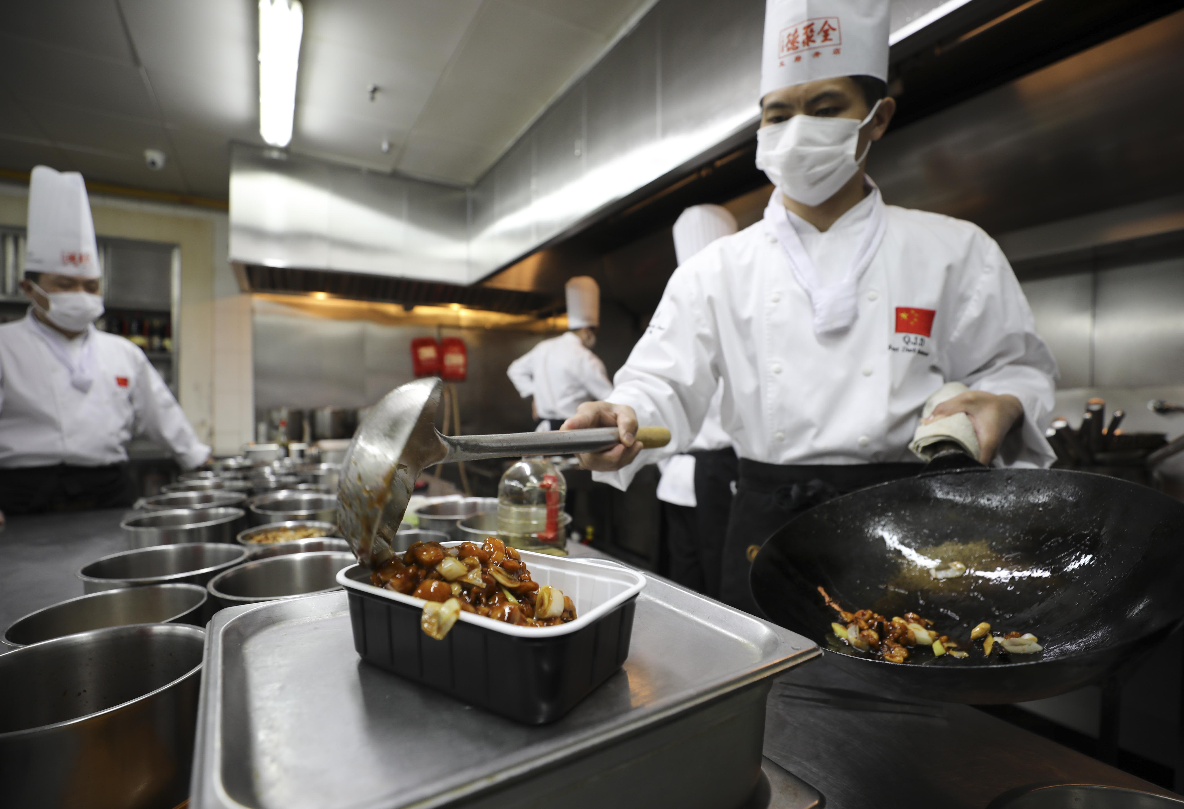 Photo of China's service sector rebounds to grow and job losses continue