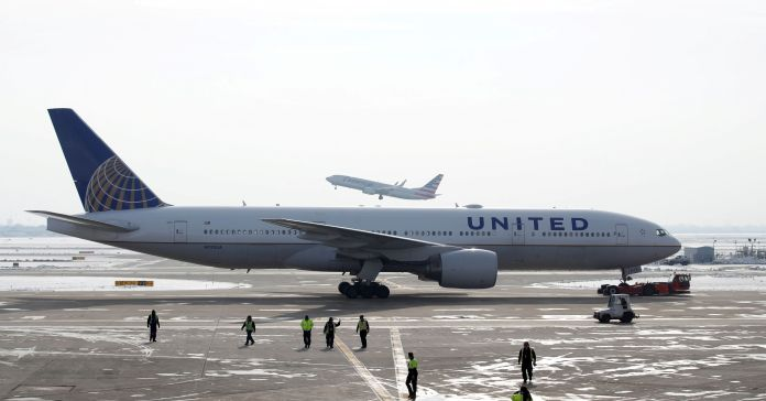 United will require new employees to show proof of Covid vaccine, following Delta