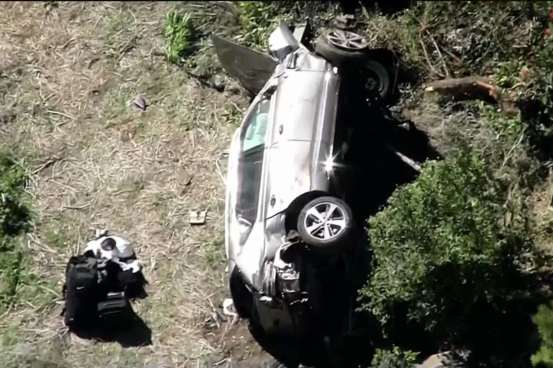 Tiger Woods injured in the crash, the jaws of life were used to rescue him