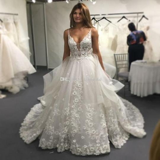 Vinca Sunny Lace Wedding Dresses 2017 Sexy Backless V Neck Applique     Vinca Sunny Lace Wedding Dresses 2017 Sexy Backless V Neck Applique Long  Court Train 3d Lace Summer Bridal Gowns Vestido Casamento Gorgeous Wedding  Dresses
