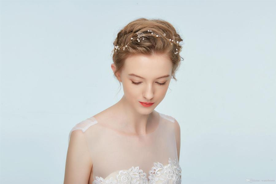 2018 Hot New Bridal Jewelry Handmade Diamond Headdress Hair     We all know that for feather hair accessories  you can buy countless of  them in various places  However  if you want to buy nice prom hair  accessories at